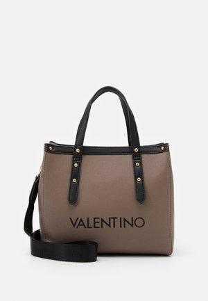 GRANDE - Handbag - taupe/nero