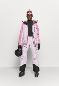 Peak Performance - VERTICAL 3L PANTS - Snow pants - cold blush - 1