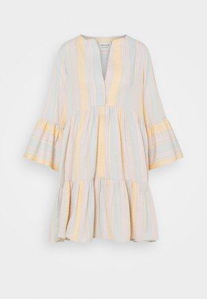 ELIZA DRESS - Denní šaty - dew