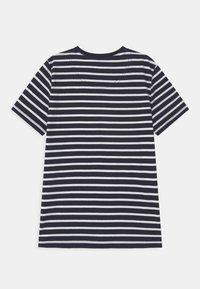 Lyle & Scott - BRETON - Print T-shirt - navy blazer - 1