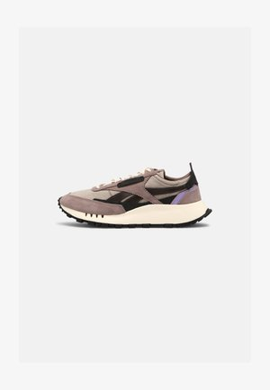 X ASAP NAST CL LEGACY UNISEX - Sneakers basse - sandy taupe/crisp purple/black