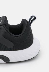 Nike Performance - RENEW IN SEASON TR 11 - Treningssko - black/white - 5