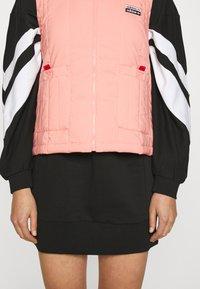 adidas Originals - SPORTS INSPIRED REGULAR VEST - Bodywarmer - trace pink - 5
