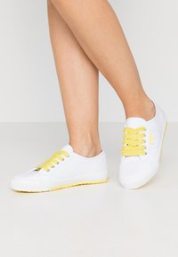 Esprit - ITALIA LACE UP - Trainers - bright yellow - 0