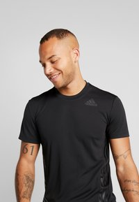 adidas Performance - AEROREADY TRAINING SLIM SHORT SLEEVE TEE - Print T-shirt - black - 3