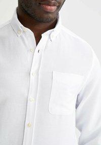 DeFacto - Camisa elegante - white - 3