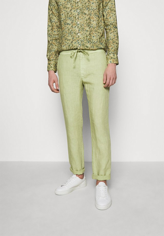 TROUSERS - Bukse - olive
