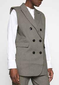 Custommade - MAISY - Waistcoat - anthracite black - 5