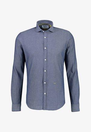MIT HAIFISCHKRAGEN - Shirt - blue