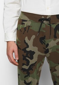 Polo Ralph Lauren - Tracksuit bottoms - olive - 3