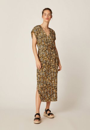 MIT FLECKENPRINT - Žerzejové šaty - black
