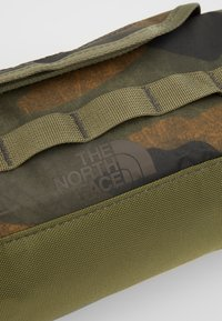 The North Face - TRAVEL CANISTER - Wash bag - burnt olive green - 3