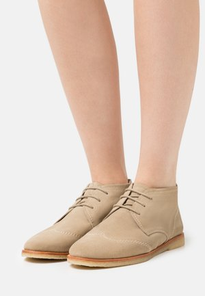 KICKA - Casual lace-ups - beige