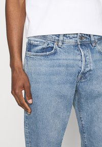 Selected Homme - SLHRELAXCROP - Tapered-Farkut - light blue denim - 4