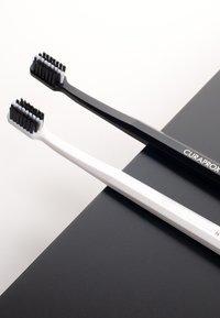 Curaprox - BLACK IS WHITE BLACK/WHITE DUO - Dental care - black - 2
