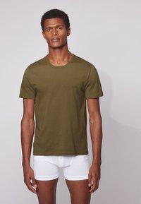 BOSS - 3 PACK - Unterhemd/-shirt - open green - 3
