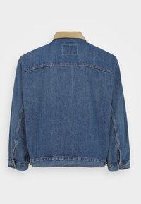 Levi's® Plus - BIG STOCK TRUCKER - Denim jacket - blue - 1