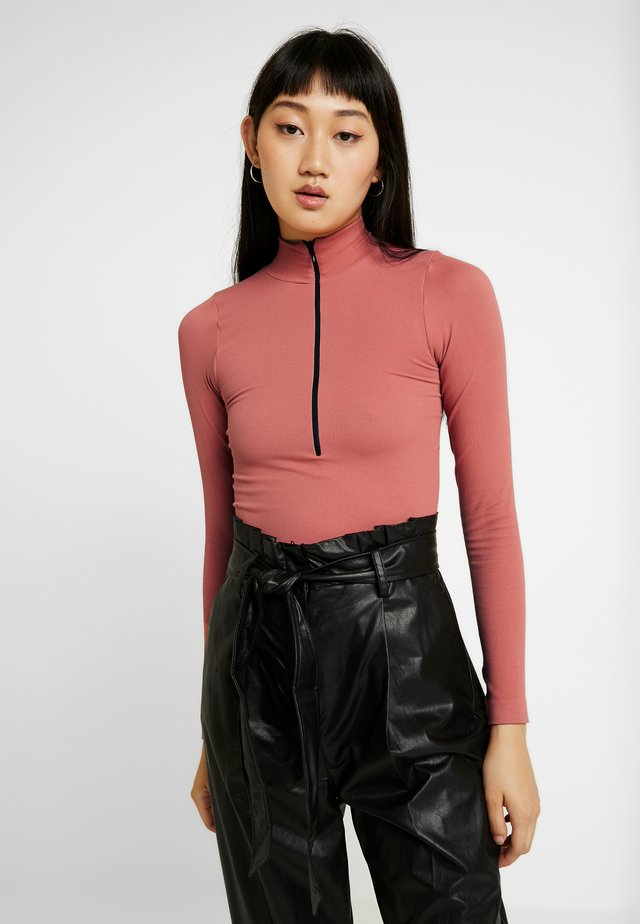 ZIP FUNNEL - Long sleeved top - light mahogany