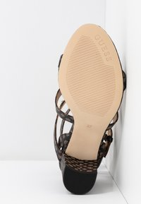 Guess - MAGALE - Sandaler - brown/ocra - 6