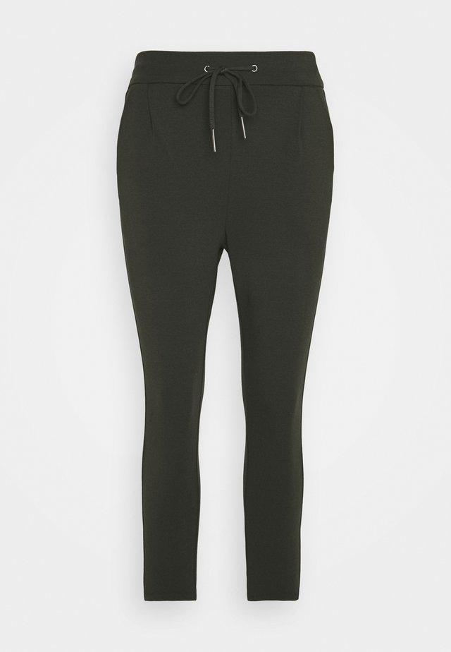 VMEVA MR LOOSE STRING PANT - Pantalones - peat