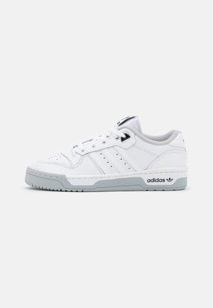 RIVALRY PREMIUM - Sneakers basse - footwear white/grey two/core black