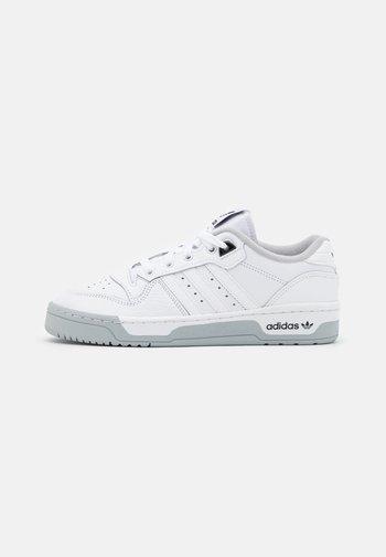 RIVALRY PREMIUM - Joggesko - footwear white/grey two/core black