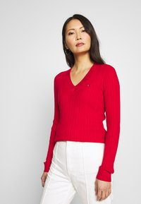 Tommy Hilfiger - INJ MINI CABLE  - Sweter - red - 0