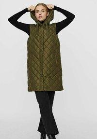 Vero Moda - Waistcoat - ivy green - 1
