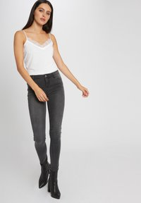 Morgan - VEST TOP WITH THIN STRAPS AND LACE - Top - off-white - 1