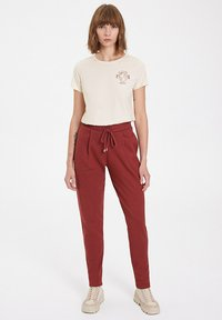 WESTMARK LONDON - Tracksuit bottoms - spiced apple - 1