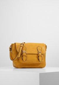 Even&Odd - Across body bag - mustard - 0