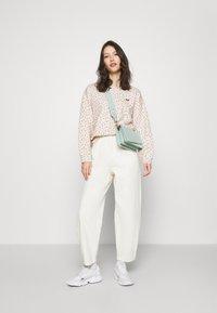 Levi's® - STANDARD CREW - Sweatshirt - multi-color - 1
