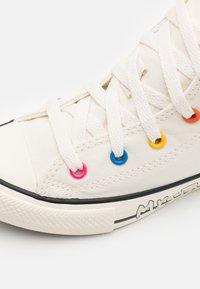 Converse - CHUCK TAYLOR ALL STAR MY STORY UNISEX - Zapatillas altas - egret/hyper pink/black - 5