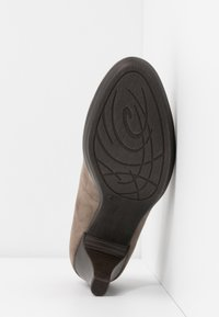 Marco Tozzi - Classic heels - taupe - 6