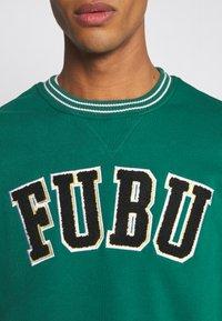 FUBU - COLLEGE - Sweatshirt - green - 8