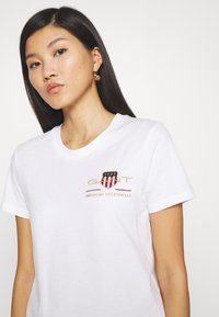 GANT - ARCHIVE SHIELD  - T-shirts med print - white - 4