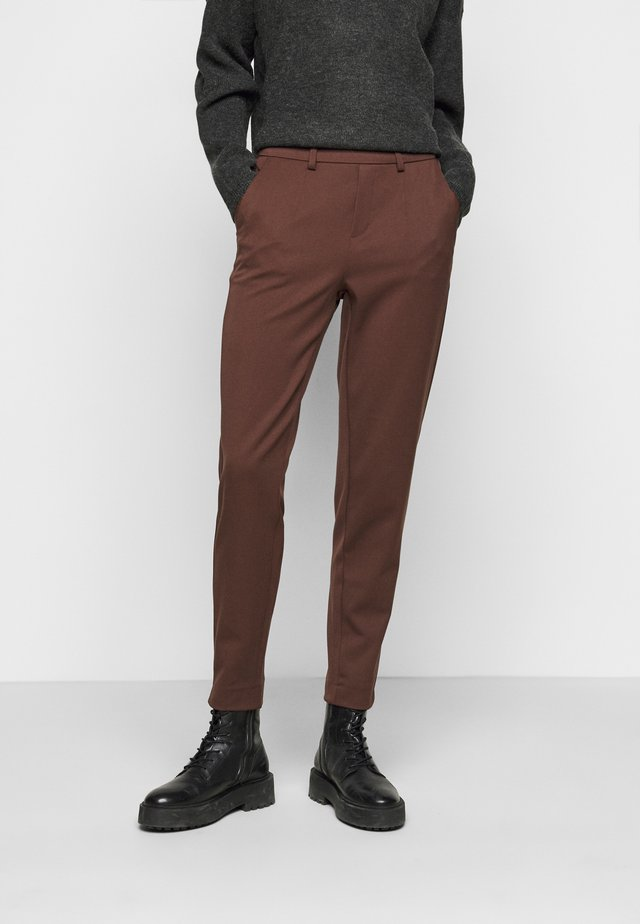 OBJLISA SLIM PANT - Bukser - chicory coffee