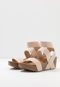 Madden Girl - ZOEY - Sandály na platformě - nude - 4