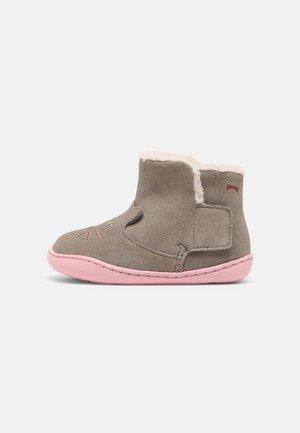 TWS - Baby shoes - hellgrau