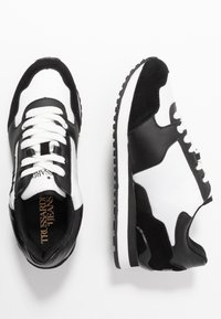 Trussardi Jeans - Sneakers - white/black - 3
