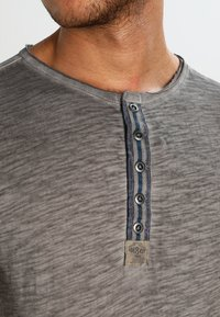Key Largo - ARENA - Print T-shirt - silber - 3