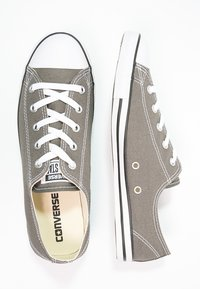 Converse - CHUCK TAYLOR ALL STAR OX DAINTY - Trainers - gris foncé / blanc - 2