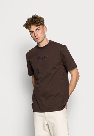 CLASSIC LOGO ESSENTIAL TEE - Jednoduché triko - dark brown
