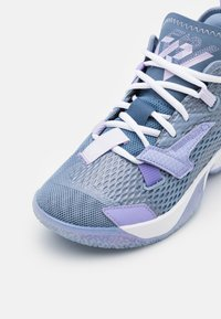 Jordan - WHY NOT ZER0.4 BG UNISEX - Basketball shoes - indigo fog/purple pulse/violet frost - 5