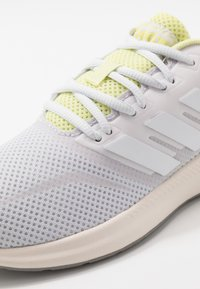 adidas Performance - RUNFALCON - Juoksukenkä/neutraalit - dash grey/footwear white/yellow tint - 5