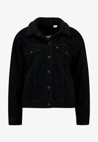 SHERPA TRUCKER - Džínová bunda - forever black