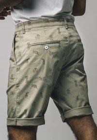 Brava Fabrics - Shorts - brown - 1