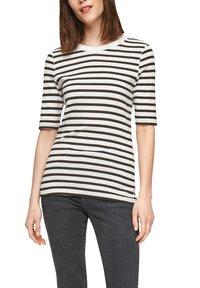 s.Oliver - Print T-shirt - offwhite stripes - 3