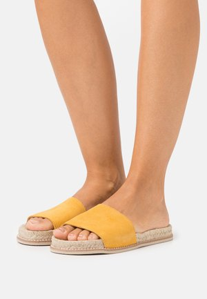 Slippers - yellow