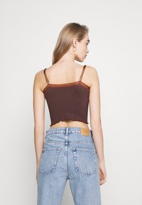 BDG Urban Outfitters - CROSS CAMI - Topper - chocolate - 2